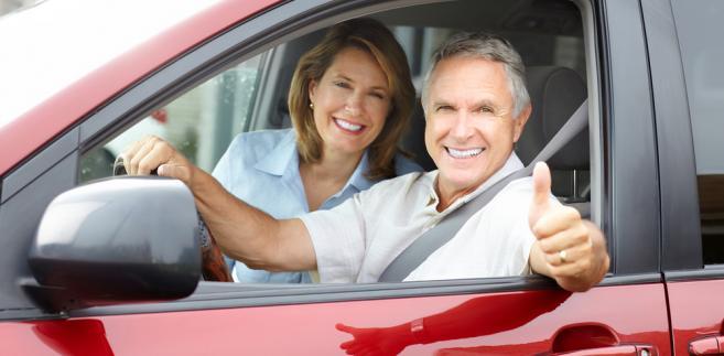 Wspólne przejazdy – organizowane chociażby za pośrednictwem BlaBlaCar - polegają na udostępnianiu przez kierowców wolnych miejsc w swoich samochodach w zamian za składkę na paliwo, która pokrywa tylko część kosztów podróży.
