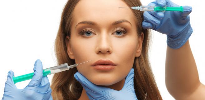 Zabieg chirurgicznej likwidacji zmarszczek na twarzy pacjentki, którego cena obejmować będzie operację, pobyt w szpitalu i opiekę pooperacyjną, należy uznać za jedno świadczenie złożone (usługę w rozumieniu art. 8 ust. 1 ustawy o VAT).Operacja plastyczna