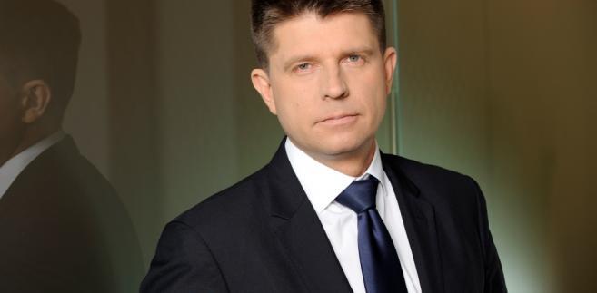 Petru apeluje o udział w manifestacji. Chce, aby rząd dostosował się do raportu KW