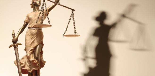 Nic nie działa bardziej na wyobraźnię prokuratorów jak sugestia o dyscyplinarkach.