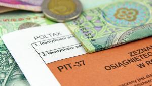 Bank nie powinien odprowadzać zaliczek na PIT od zasiłku na dzieci wypłacanego przez brytyjski urząd świadczeń rodzinnych.