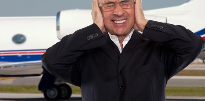 lotnisko; samolot; hałas