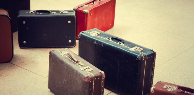 emigracja, walizki, podróż