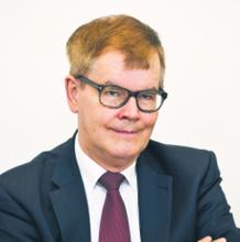 dr Mieczysław Błoński dziekan Wydziału Prawa i Administracji Uczelni Łazarskiego w Warszawie