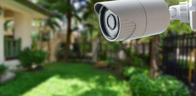 kamera przy domu