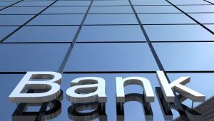 Komisja Nadzoru Finansowego zawiesiła w piątek funkcjonowanie Banku Spółdzielczego w Nadarzynie.