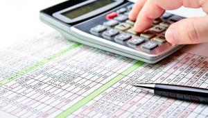 Ustawa o centralizacji precyzuje też, w jaki sposób ustalić podstawę opodatkowania i VAT należny w sytuacji, gdy w korektach uwzględniamy obroty jednostki, która wcześniej nie była zarejestrowana dla celów VAT z uwagi na nieprzekroczenie progu obrotów 150 tys. zł.