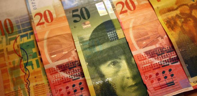 Banki mają zapłacić i za restrukturyzację kredytów, i za spready