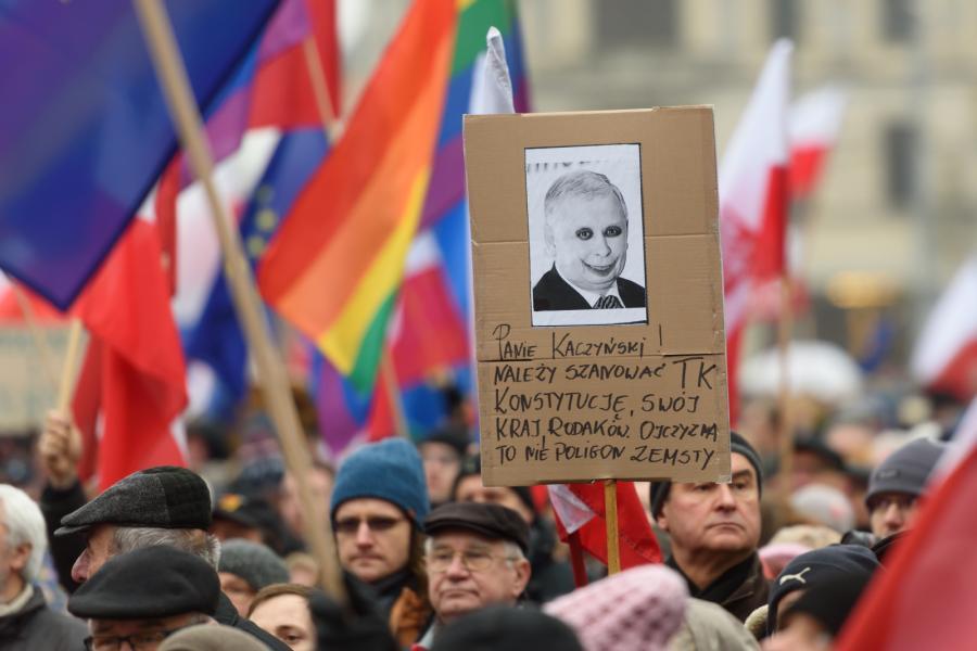 Manifestacja w obronie demokracji i wsparcia dla TK w Poznaniu, PAP/Jakub Kaczmarczyk