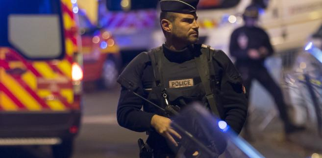 """Jak poinformował w sobotę francuski dziennik """"Le Monde"""", podczas przesłuchania przeprowadzonego dzień po jego ujęciu Abdeslam bagatelizował swoją rolę w zamachach w Paryżu"""
