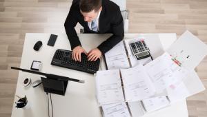Kto może rozliczać się według karty podatkowej i jakie formalności należy spełnić?