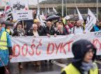 """Marsz KOD w Gdańsku: """"Dość dyktatury, więcej kultury"""", """"Jarosław, Polskę zostaw"""""""