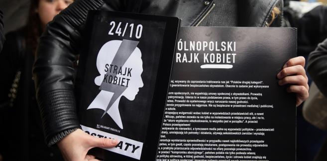 """""""Czarne Protesty"""" w Polsce. II Ogólnopolski Strajk Kobiet na zdjęciach"""