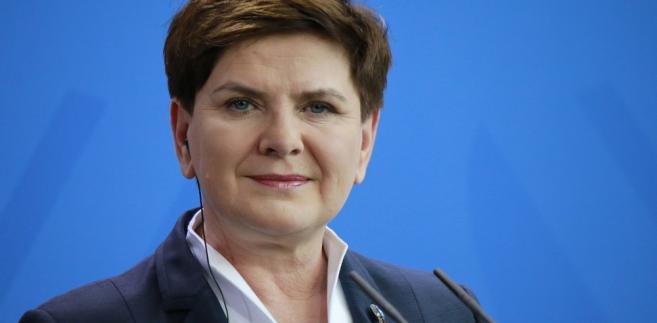 """Premier zastrzegła, że tylko pod tym warunkiem Polacy będą się dobrze czuli w UE i nie dołączą do """"stale się powiększającej"""" grupy krajów i narodów, które """"wyrażają coraz większe wątpliwości wobec Europy""""."""