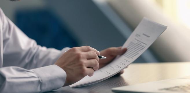 Wskazuje się na prawne różnicowanie zasad wynagradzania prawników w Polsce