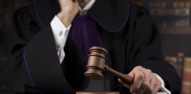 Sędzia powołany na okręg mógłby zostać przesunięty na pewien czas z sądu np. w Augustowie do sądu w Suwałkach.