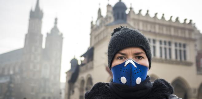 """""""Padło trochę deklaracji, ale na tym się kończyło. Wiele samorządów uważa zanieczyszczone powietrze za wymysł sieciowych hejterów, a walkę ze smogiem za wyrzucanie pieniędzy w błoto."""""""