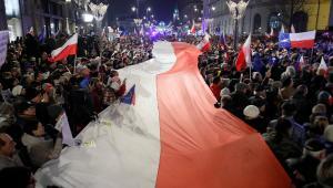 Demonstracja na Krakowskim Przedmieściu w Warszawie