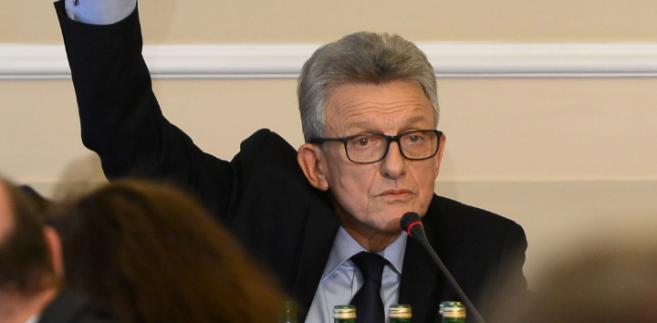 Przewodniczący komisji Stanisław Piotrowicz podczas posiedzenia komisji sprawiedliwości i praw człowieka.