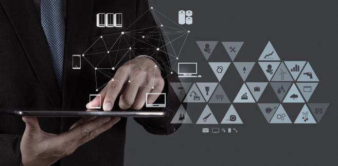 Dystrybucją identyfikacji elektronicznej może się zająć państwo, ale też inne podmioty komercyjne np. banki.