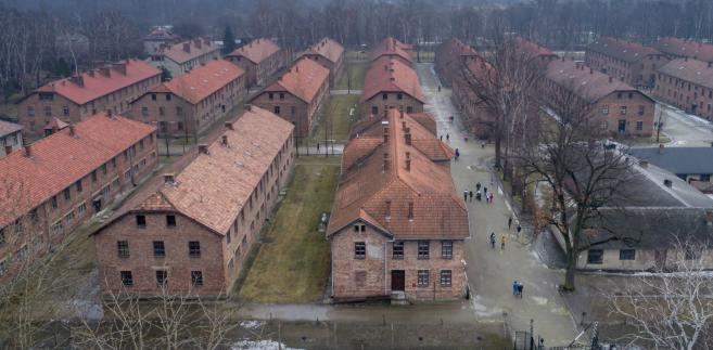 """""""Polska jest jednym z głównych opiekunów pamięci o ofiarach Holokaustu i obrońcą miejsc uświęconych krwią niewinnych żydowskich i polskich ofiar terroru nazistowskich Niemiec"""" - napisał ambasador Wilczek."""