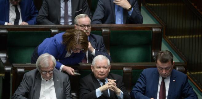 Sejm kontynuuje przerwane w ubiegłym tygodniu posiedzenie