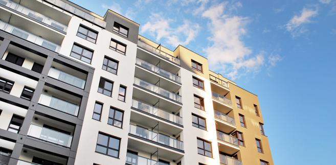 BIK podał, że średnia kwota wnioskowanego kredytu mieszkaniowego w czerwcu 2018 r. wyniosła 251,86 tys. zł, czyli była o 1,4 proc. wyższa niż miesiąc temu.