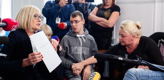 Protest rodziców osób niepełnosprawnych w Sejmie.