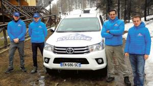 Członkowie grupy Génération Identitaire w czasie patrolu w Alpachfot. Katarzyna Stańko
