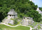 Palenque – w tej meksykańskiej miejscowości w 1746 roku odkryto ruiny miasta Majów. W 1987 roku ruiny wpisano na listę światowego dziedzictwa UNESCO