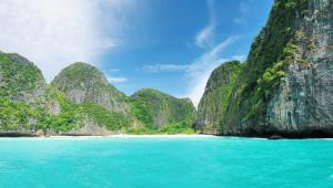 Phi Phi Ley - prawdziwie filmowa wyspa. To właśnie na niej kręcone były sceny z filmu Niebiańska plaża