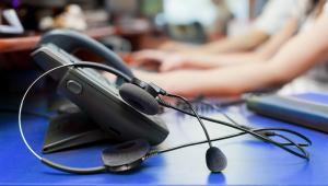 Nowa bezpłatna Telefoniczna Informacja Pacjenta (TIP) będzie działać pod numerem 800-190-590. Porozumienie w tej sprawie podpisali w ubiegłym tygodniu rzecznik praw pacjenta Bartłomiej Chmielowiec i wiceprezes Narodowego Funduszu Zdrowia ds. operacyjnych Adam Niedzielski.