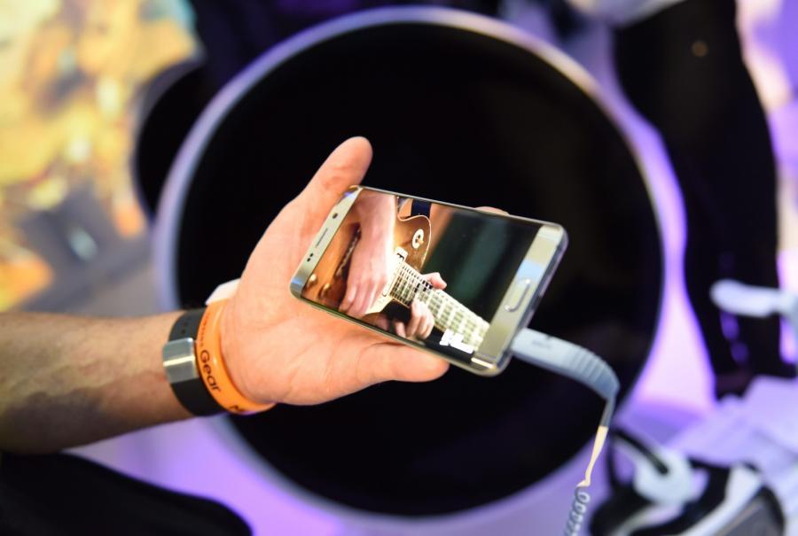 Galaxy S6 Edge Plus, EPA/RAINER JENSEN Dostawca: PAP/EPA.