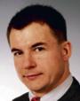 Andrzej Paterek von Sperling, prawnik, b. rzecznik prasowy organizacji, która założyła opisywany komitet wyborczy; na znak protestu zrzekł się członkostwa w tej organizacji