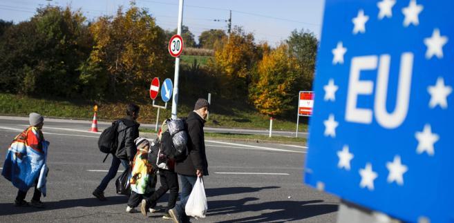 Uchodźcy w drodze do Europy