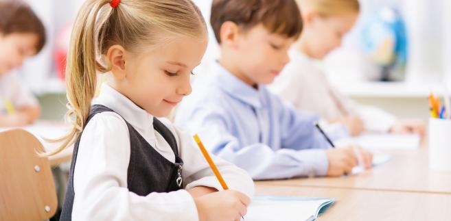Polscy uczniowie poświęcają na odrabianie lekcji 7 godzin tygodniowo