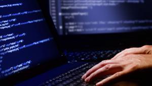 """Postulat powołania w Polsce cyberarmii pojawił się już niemal cztery lata temu, jeszcze w czasie rządów koalicji PO-PSL, w """"Doktrynie cyberbezpieczeństwa RP""""."""