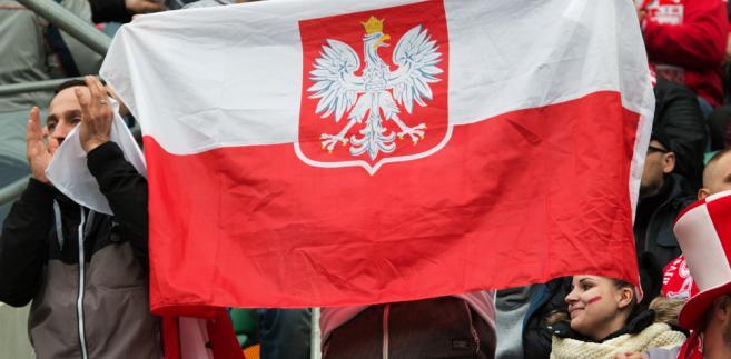 W poradniku MSWiA przypomniano jak się zachowywać podczas wykonywania Mazurka Dąbrowskiego