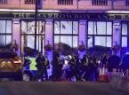 Samochód wjechał w ludzi na London Bridge. Nożownicy atakowali przechodniów. Policja: To był zamach terrorystyczny