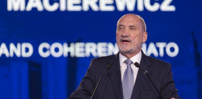 Jak zaznaczył, dobrze ocenia obecny stan rzeczy w resorcie obrony i bezpieczeństwie Polski, ale nie wie, jaki będzie ciąg dalszy
