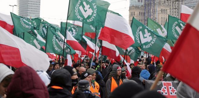 """""""Dlaczego czarna Polska powinna budzić nasz strach"""" - takim tytułem rzymski dziennik """"La Repubblica"""" opatrzył dwie strony komentarzy na temat Marszu Niepodległości."""