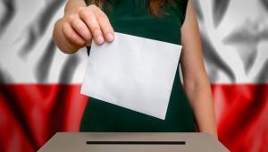 Co ciekawe, zaciekłość kampanii wyborczej i duża polaryzacja sceny politycznej może także sprzyjać zainteresowaniu polityką.