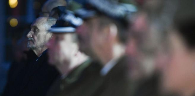 Były szef MON Antoni Macierewicz został szefem podkomisji wyjaśniającej katastrofę smoleńską