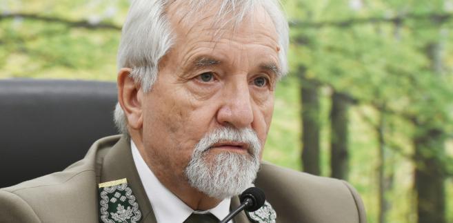 W trakcie urzędowania ministra Szyszki, Tomaszewski popierał jego politykę ws. Puszczy Białowieskiej, czyli konieczność zwiększenia cięć, czy prowadzenia nowych nasadzeń
