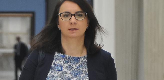 """Zdaniem szefowej klubu Nowoczesnej, decyzja irlandzkiej sędzi jest początkiem problemów, jakie czekają polskie władze i wszystkich Polaków po """"zniszczeniu niezależności wymiaru sprawiedliwości przez PiS""""."""