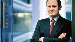 Adam Pers – Wiceprezes Zarządu  ds. Bankowości Korporacyjnej i Inwestycyjnej, mBank