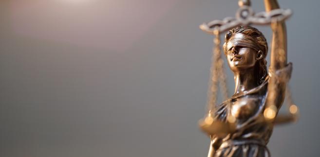 """""""Ministerstwo Sprawiedliwości już pracuje nad korektą algorytmu systemu losowania, która uwzględnia postulaty sędziów i znacznie przyśpieszy równomierne obciążenie pracą nowych sędziów. Korekta ta zostanie wprowadzona do systemu losowania w ciągu najbliższych tygodni"""" - poinformował Kanthak."""