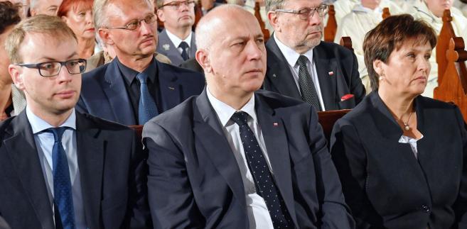 """""""Jeżeli nie uszczelnimy granic południowych Europy, jeżeli nie wspomożemy takich państw, jak Libia, Tunezja, Maroko, jeżeli nie będziemy współpracować z państwami grupy Sahel, czyli tej środkowej Afryki, państw saharyjskich, to my z tą inwazją przegramy"""" – podkreślił Joachim Brudziński."""