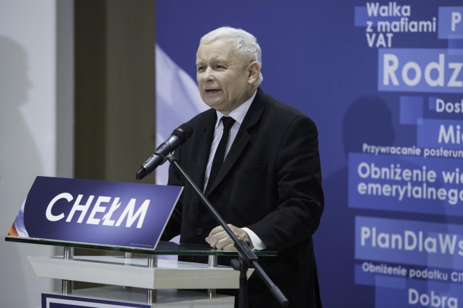 Prezes PiS Jarosław Kaczyński podczas spotkania wyborczego Prawa i Sprawiedliwości w Państwowej Szkole Muzycznej w Chełmie.