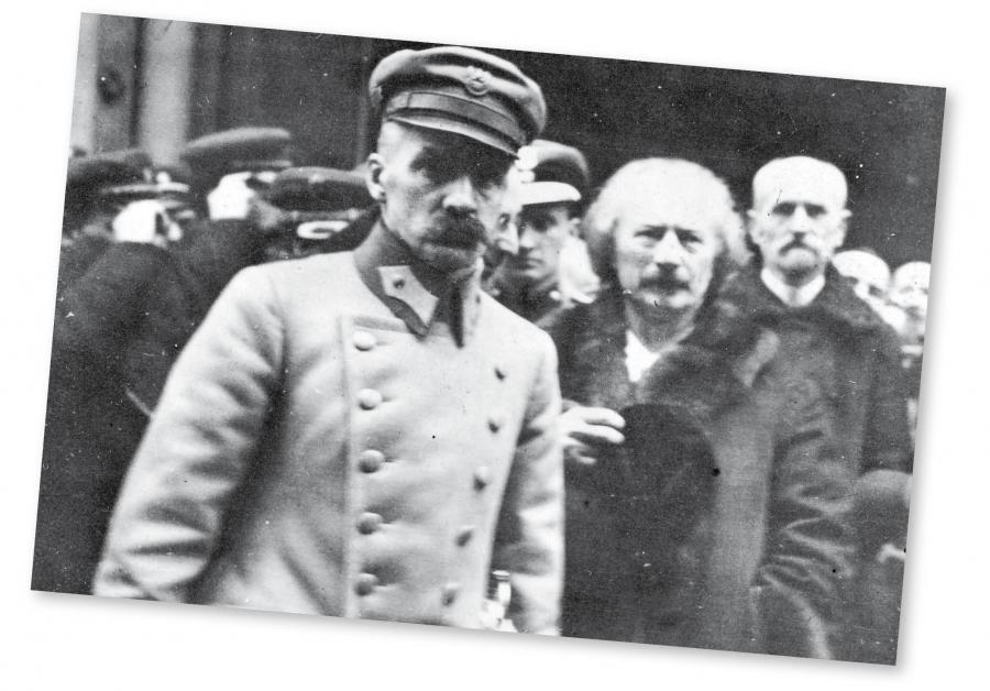 Józef Piłsudski i Ignacy Paderewski po nabożeństwie w katedrze św. Jana, luty 1919 r.